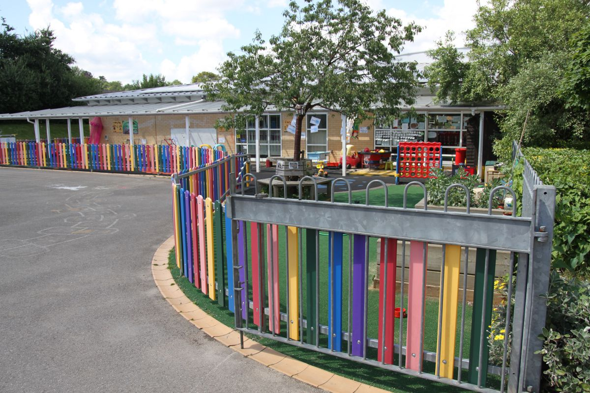 Goldsworth Primary School in Woking